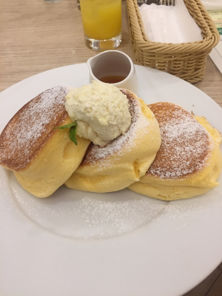 """Fluffy pancake di """"A Happy Pancake"""""""