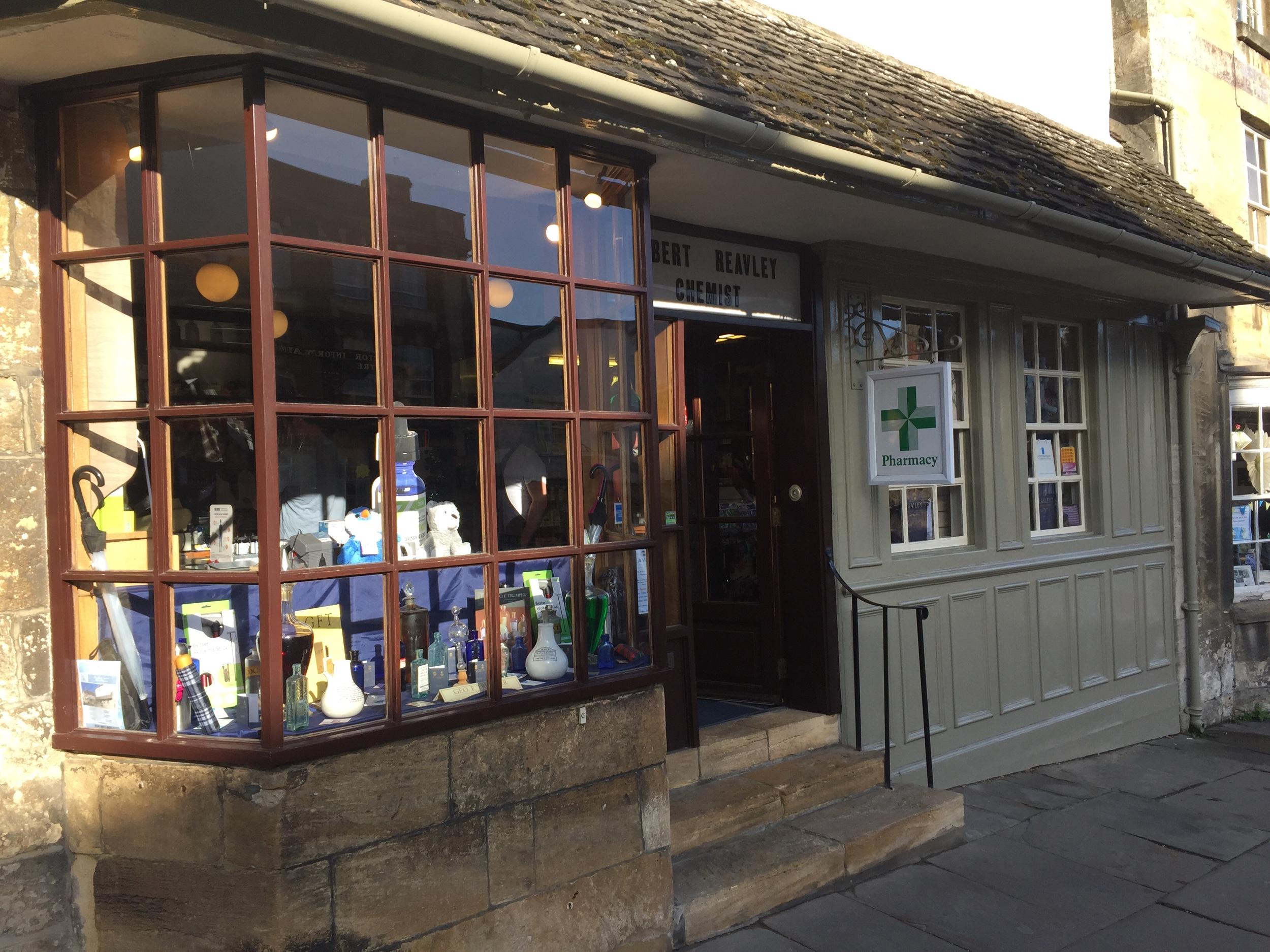 La più antica farmacia d'Inghilterra a Burford