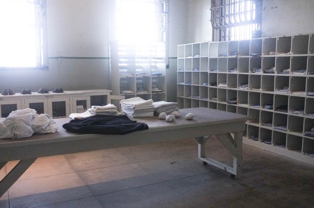 Alcatraz, la consegna della biancheria