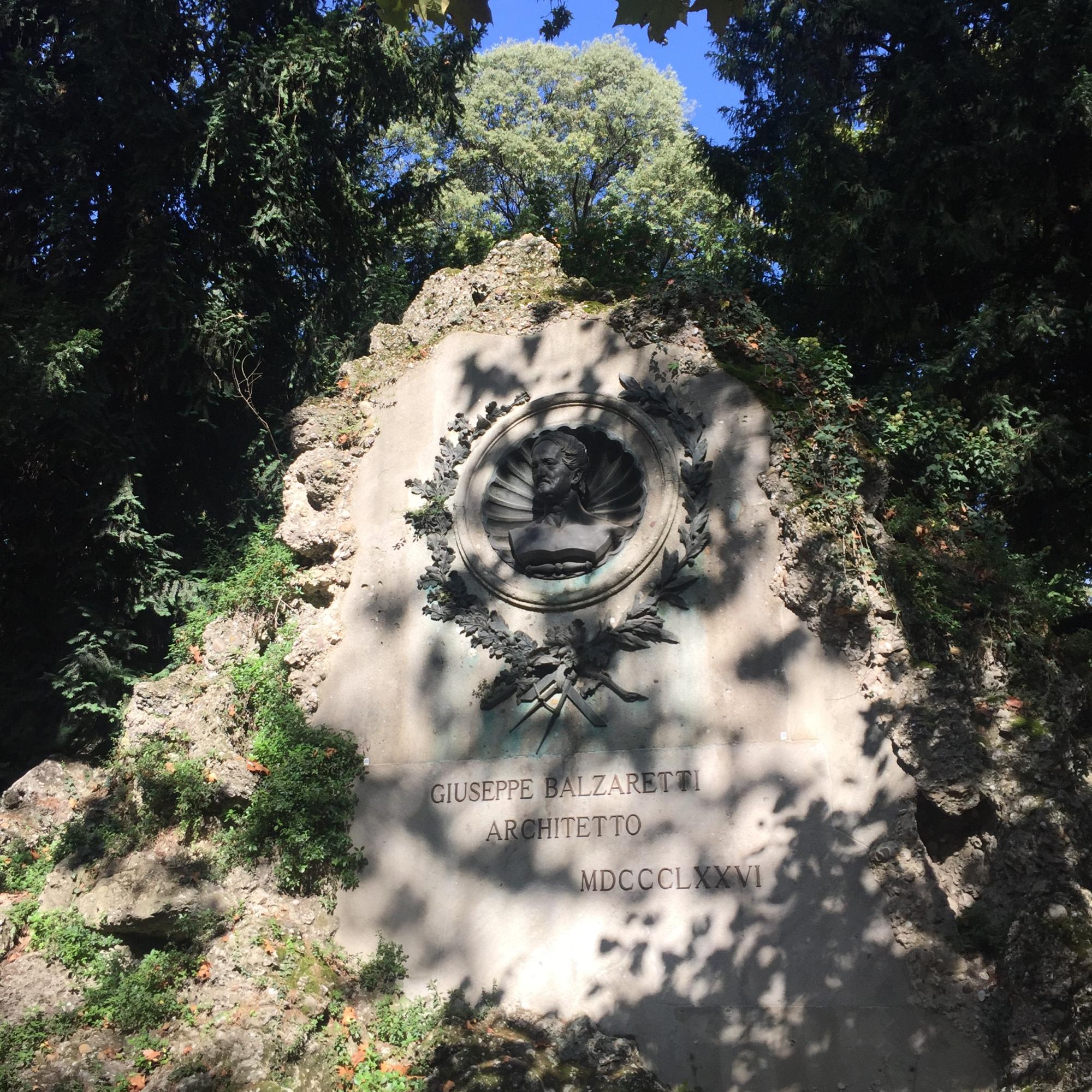 Monumento a Giuseppe Balzaretti
