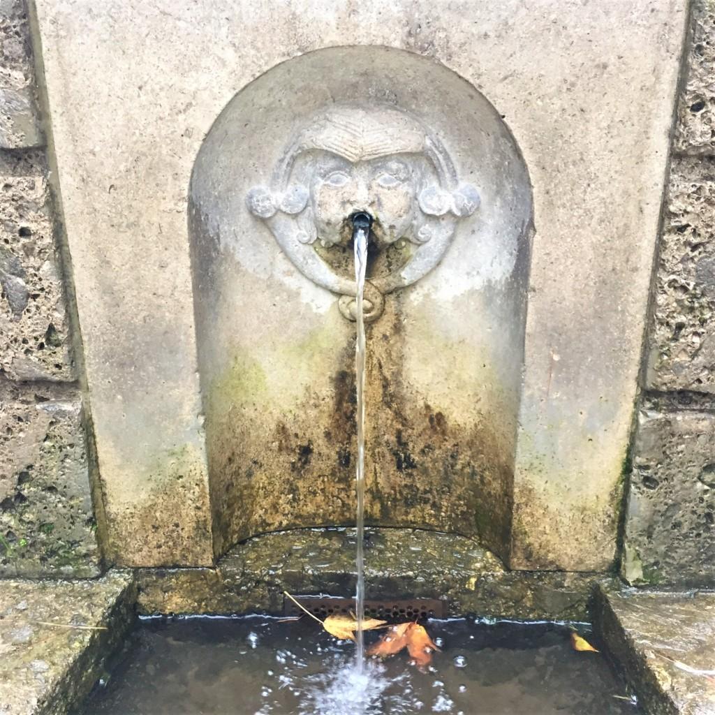 Particolare della fonte dell'acqua marcia al Parco Sempione