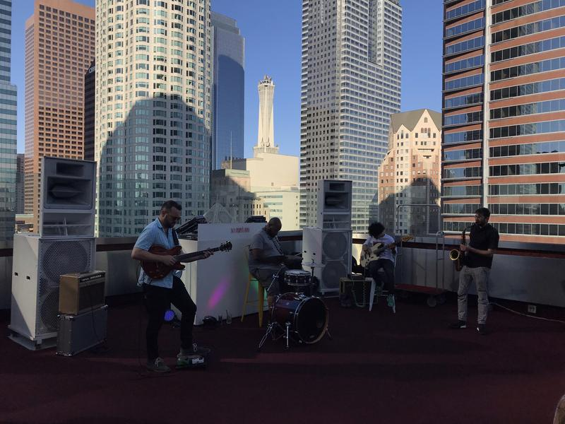 Musica sul rooftop dell'Hotel The Standard, Downtown L.A.