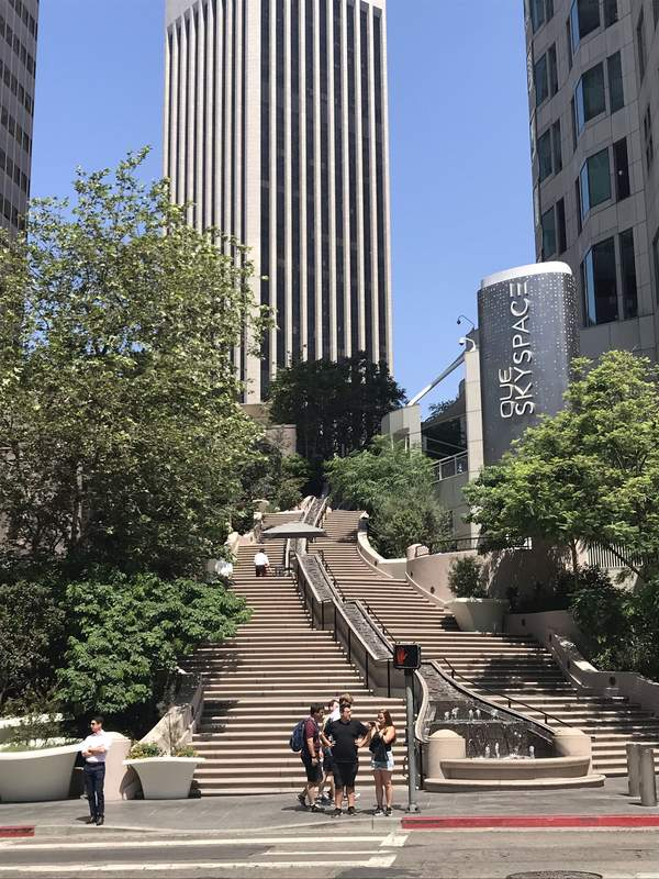 L'ingresso dell'OUE Skyspace a Downtown L.A.