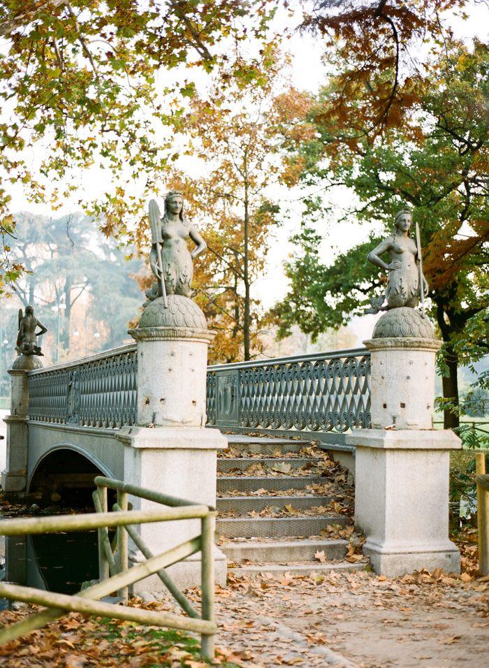 Il ponte delle sirenette al Parco Sempione di Milano.