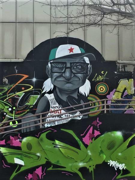 Murales di Luna al centro sociale Barrio's del quartiere Barona