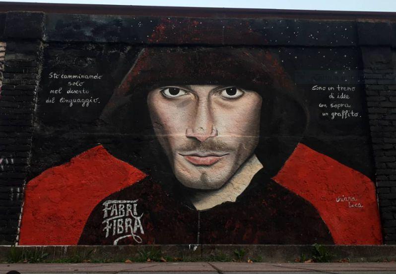 Chiara Loca, Fabri Fibra, murales ferrovia Greco Pirelli