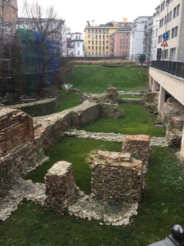 resti del palazzo imperiale di Massimiano