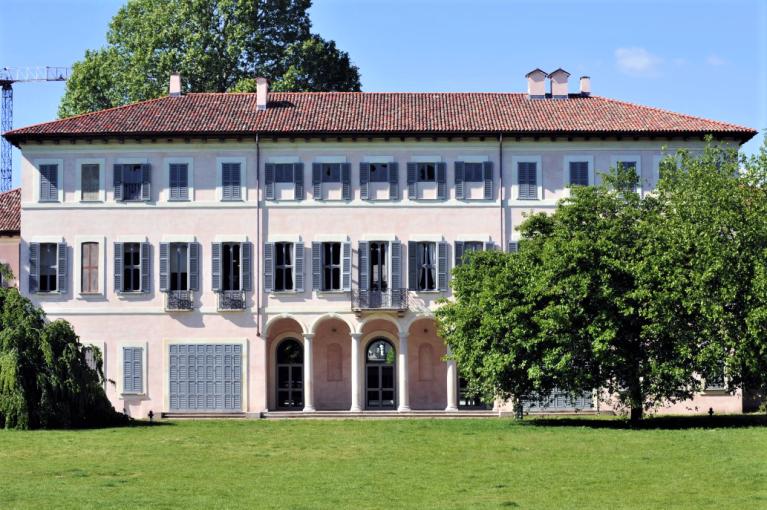 biblioteca di villa litta, affori, foto da sistema blibliotecario milanese