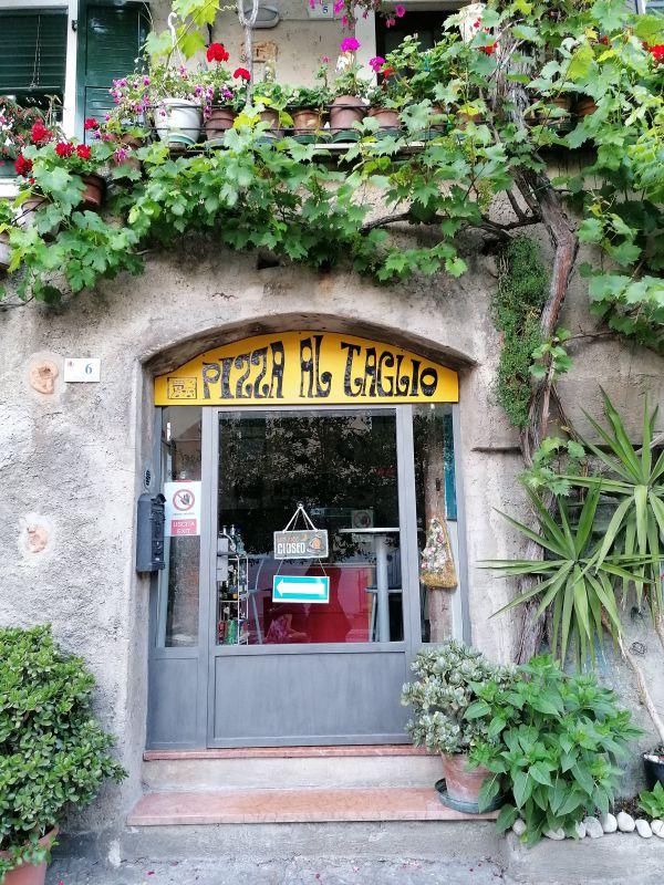Una pizzeria a Malcesine