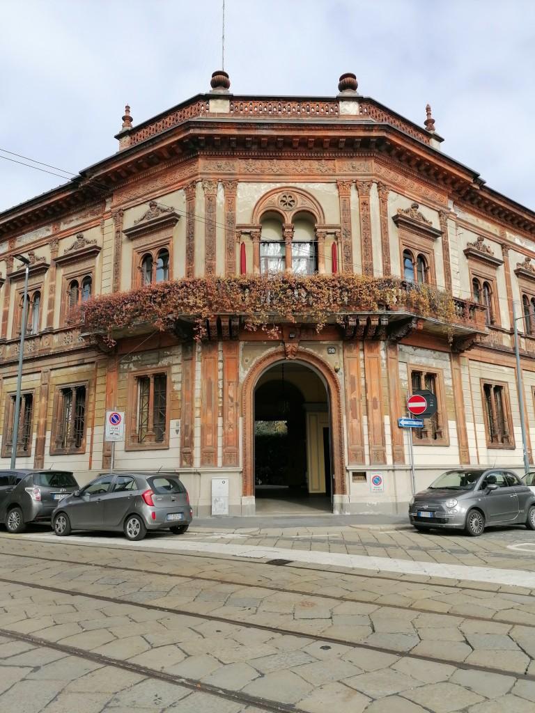 Casa Candiani, l'ingresso principale